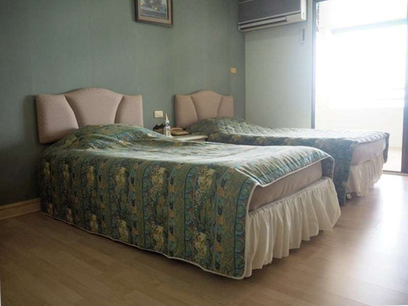 Cha Am sea view condo for sale twin bed