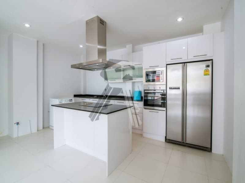 Hua Hin beach townhouse for sale kitchen