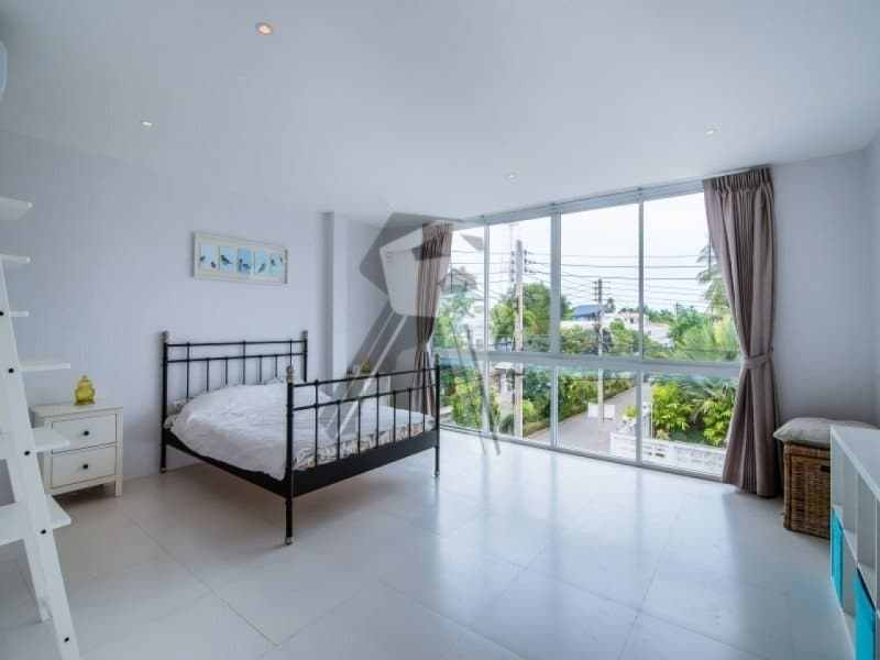 Hua Hin beach townhouse for sale master bedroom