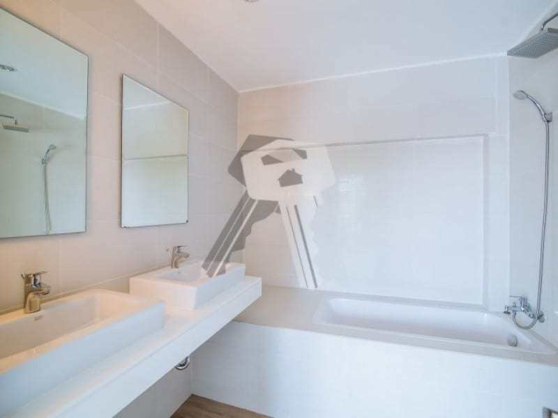 Hua Hin beach townhouse for sale bathroom