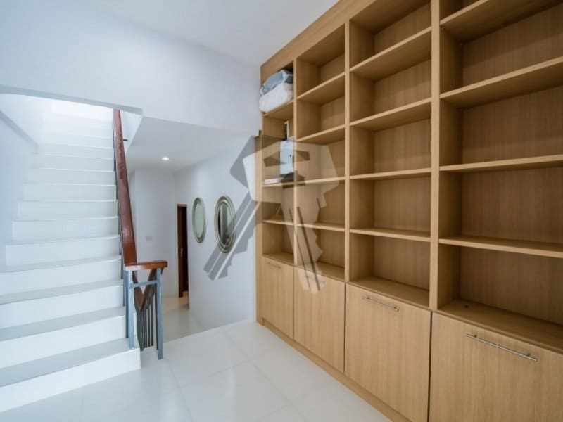 Hua Hin beach townhouse for sale dining