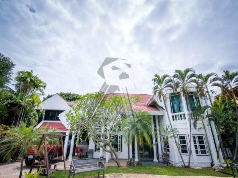 Hua Hin 2 story villa for sale front