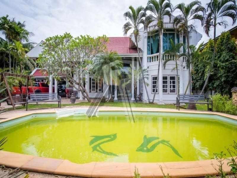 Hua Hin 2 story villa for sale pool view
