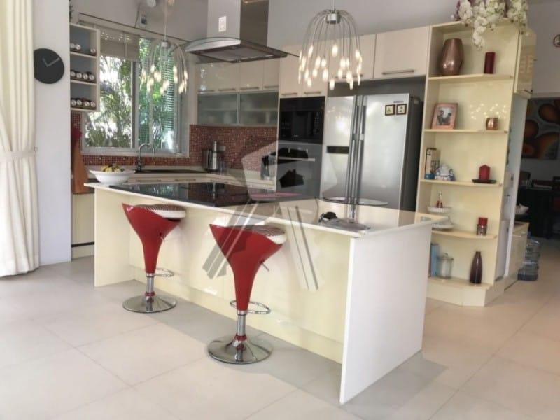Finished Red Mountain villa for sale kitchen