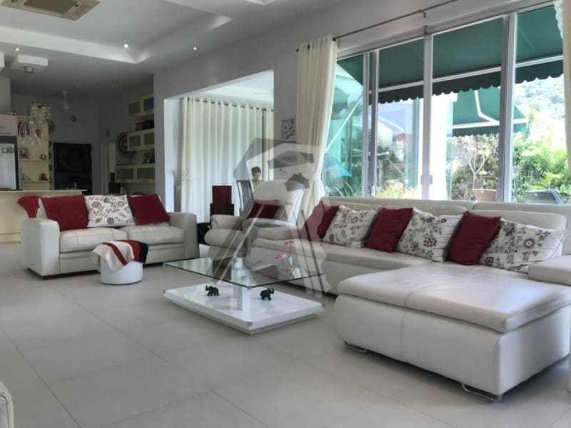 Finished Red Mountain villa for sale lounge