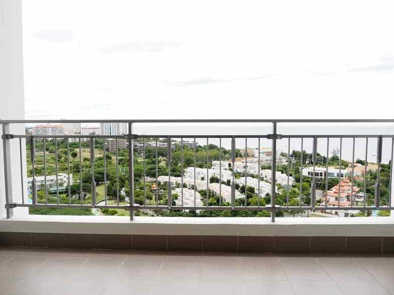 One bed Boathouse apartment for sale balcony