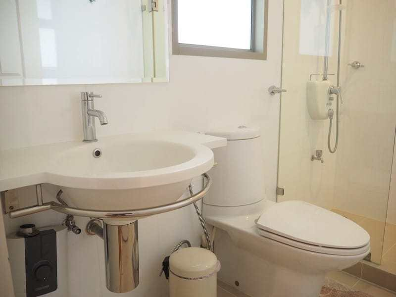 One bed Boathouse apartment for sale bathroom