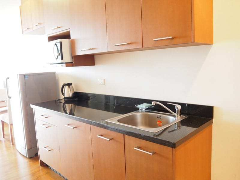 One bed Boathouse apartment for sale kitchen 2