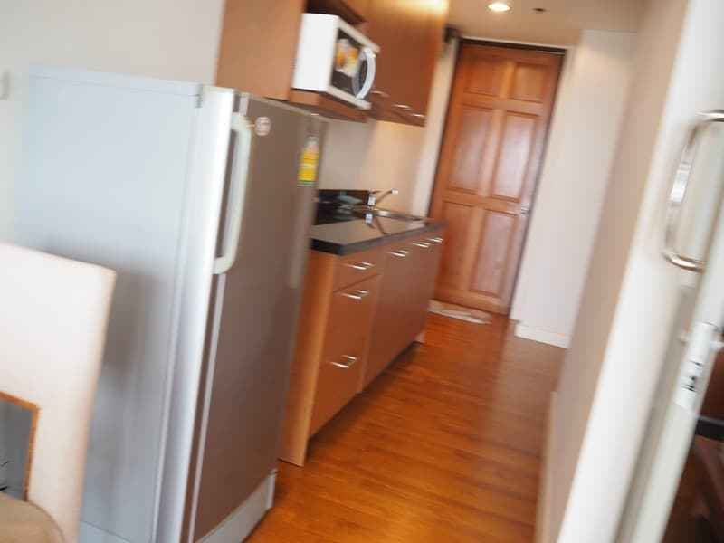 One bed Boathouse apartment for sale kitchen