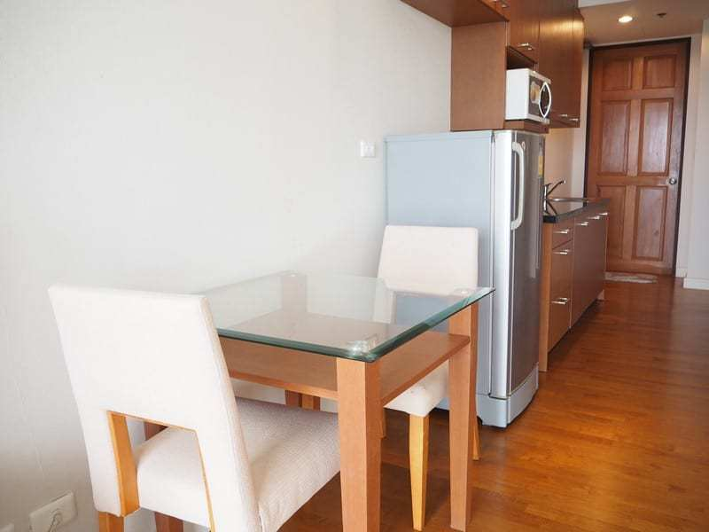 One bed Boathouse apartment for sale kitchen dining