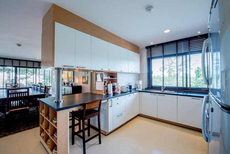 Santipura 4 bed condo for sale Hua Hin breakfast bar