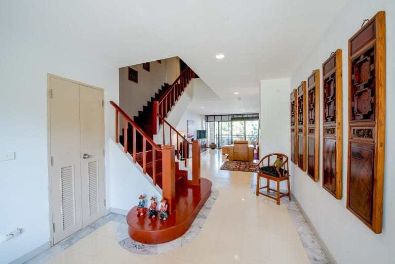 Santipura 4 bed condo for sale Hua Hin stairs