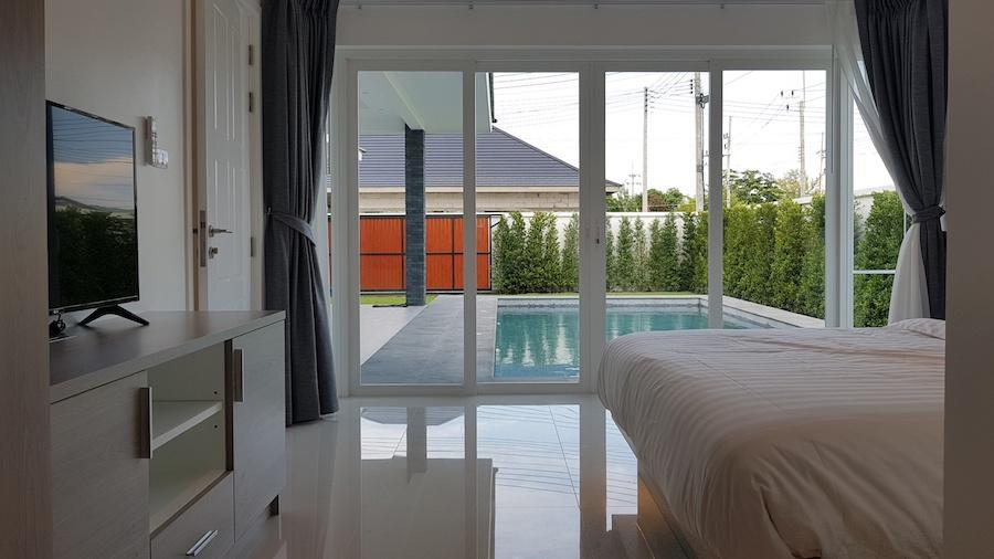 Aria Pool Villas - bedroom