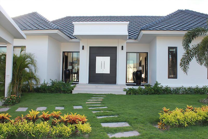 Luxury Baan Ing Phu Villa re-sale