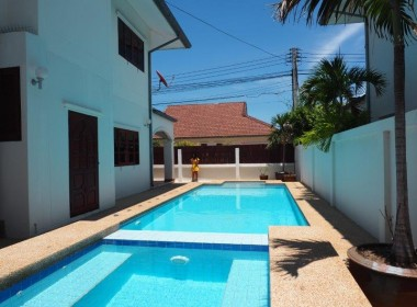 Baan Silvia House in the city center for sale