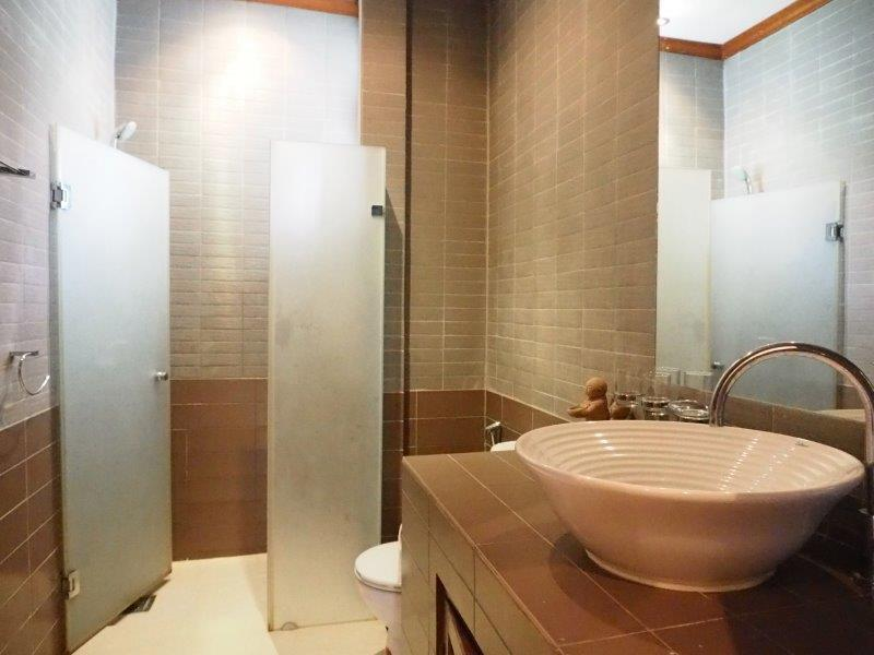 Baan Silvia House in the city center for sale - bathroom