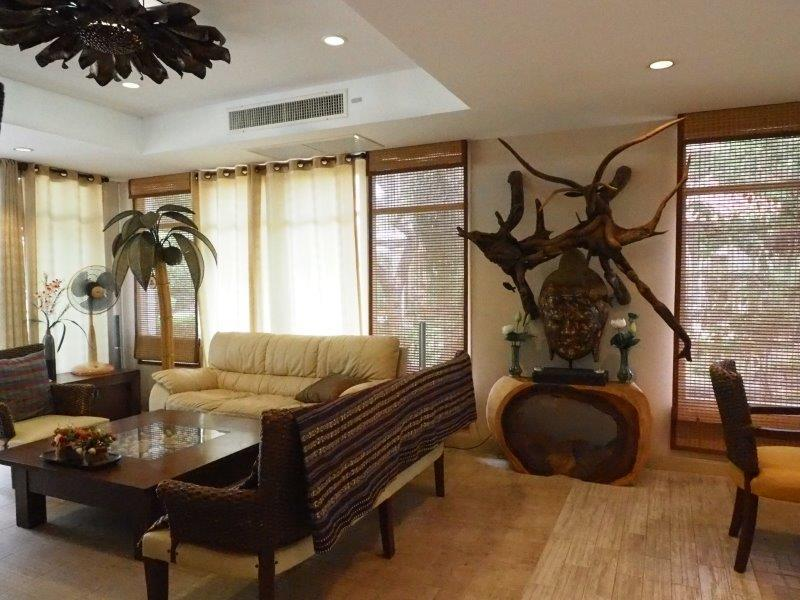 Beautiful 2 bed house for sale - living room