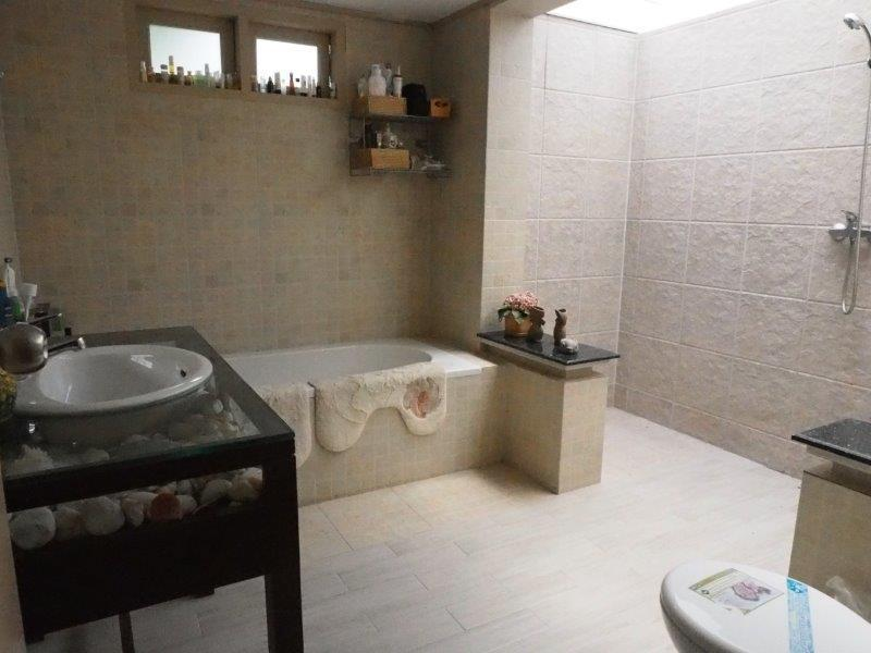 Beautiful 2 bed house for sale - bathroom