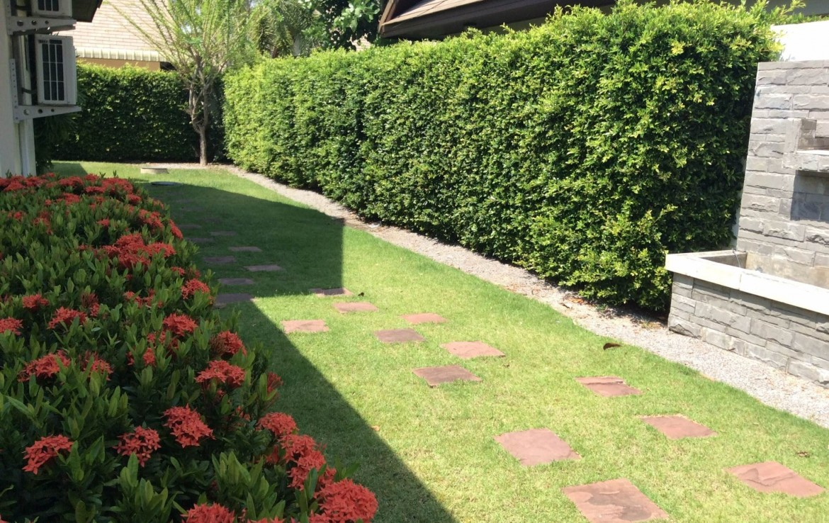 Home for sale Hua Hin center - garden