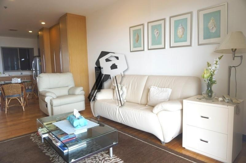 Boathouse Hua Hin Apartment for sale - sofas