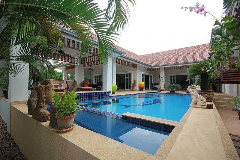 Spacious villa for sale Smart House