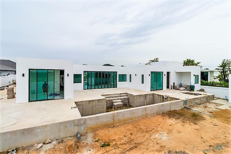 Modern Villa with rooftop terrace for sale - pool