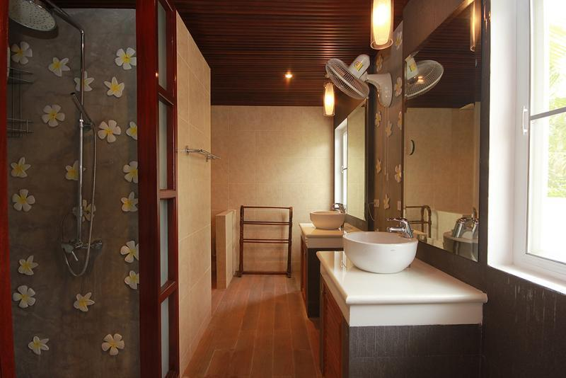 Spacious villa for sale Smart House - bathroom