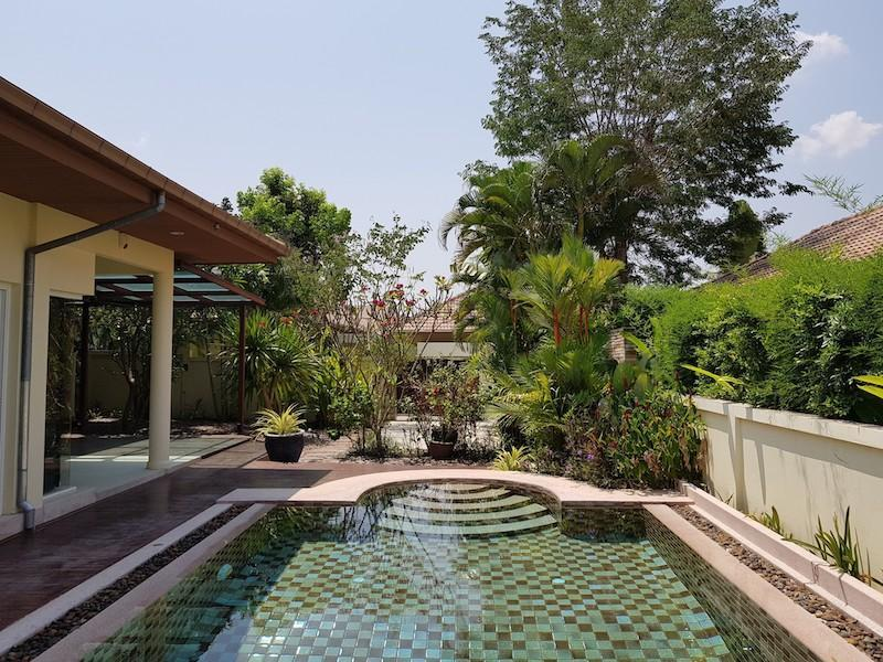 Best price pool villa for sale - garden