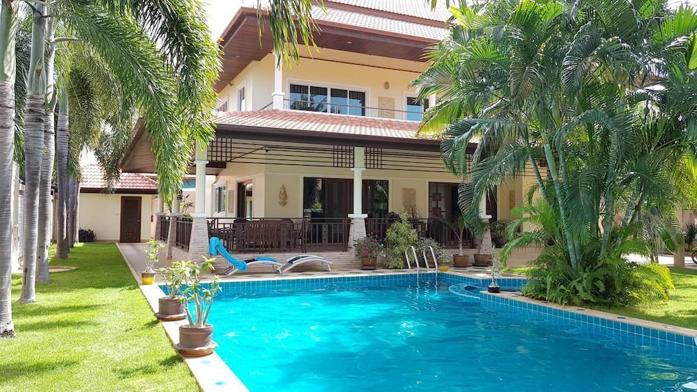 Huge villa for sale Hua Hin center