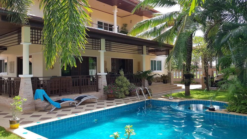 Huge villa for sale Hua Hin center - 2 storey