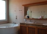 Huge villa for sale Hua Hin center - bathroom