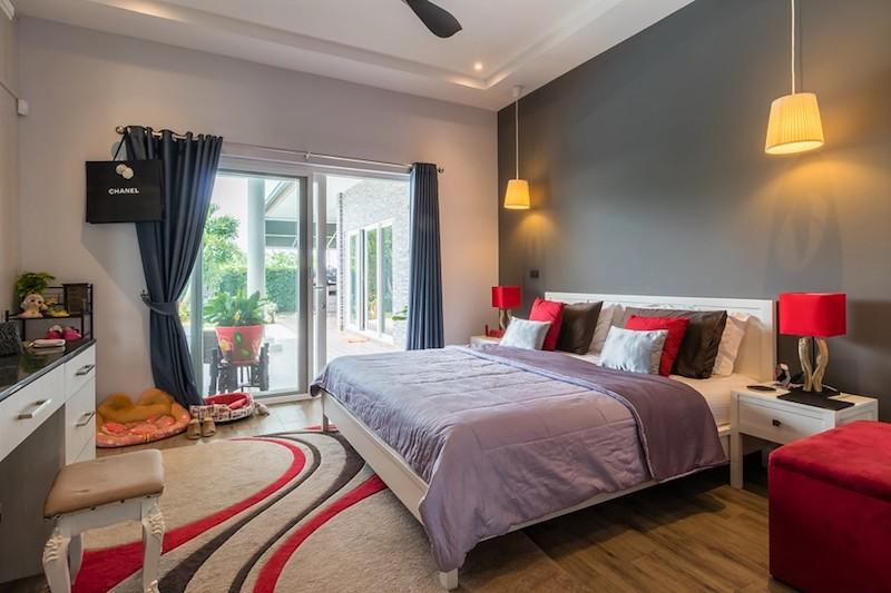Mali Residence resale with separate guest house - master bedroom