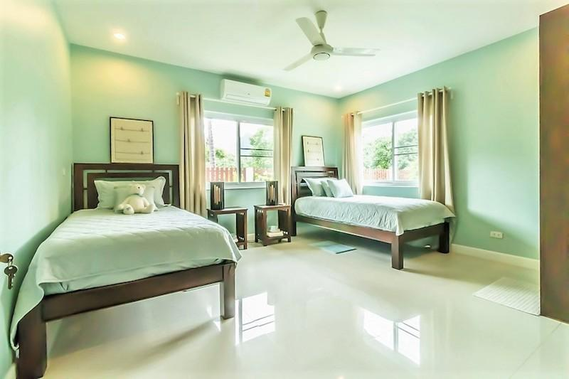 Dolphin Bay villa for sale - guest room