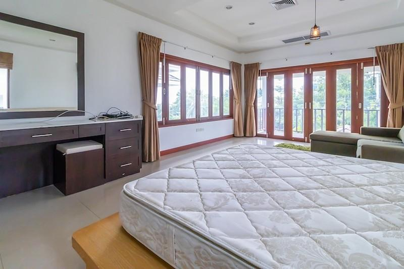 Soi 88 sea view villa for sale - master
