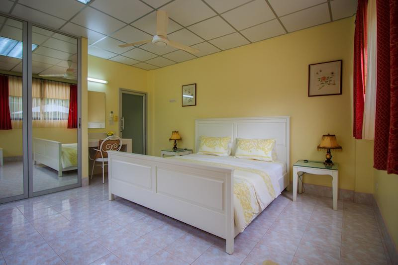 Villa for sale close to Cha Am beach - guest room