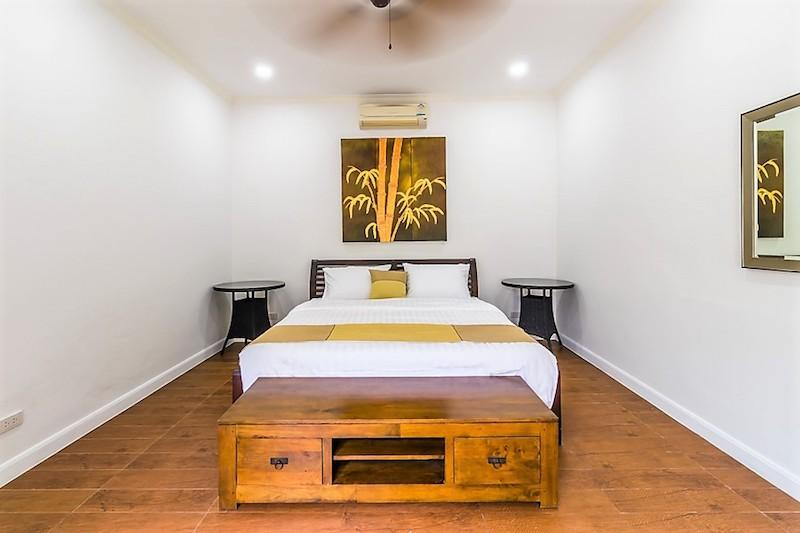 Nature Valley villa for sale - guest room