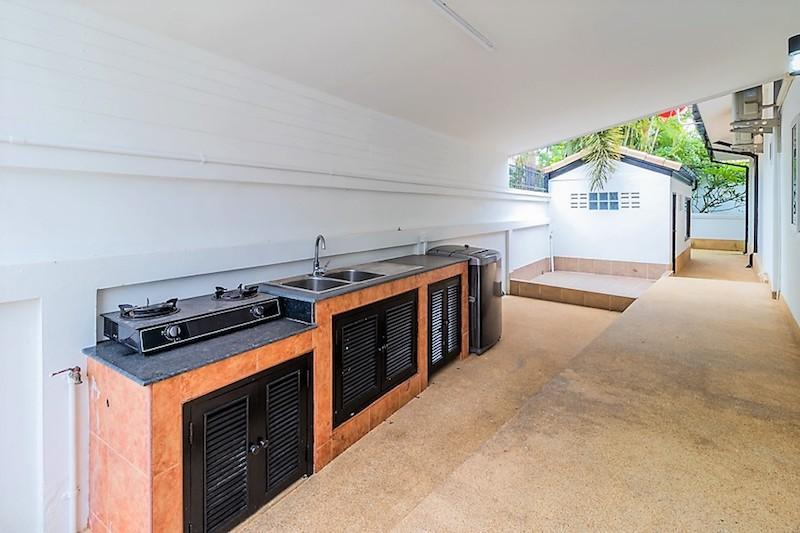 Nature Valley villa for sale - outside kitchen