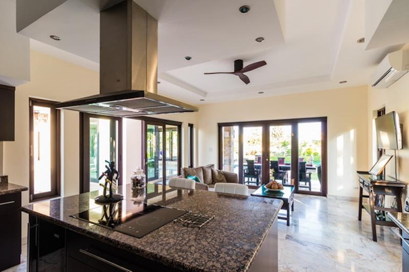 Villa for sale Khao Kalok - kitchen island