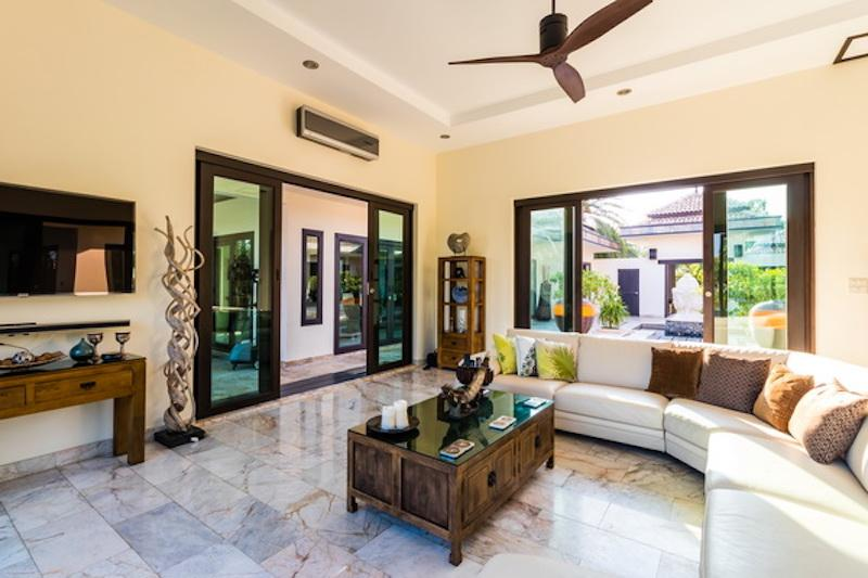 Villa for sale Khao Kalok - living area