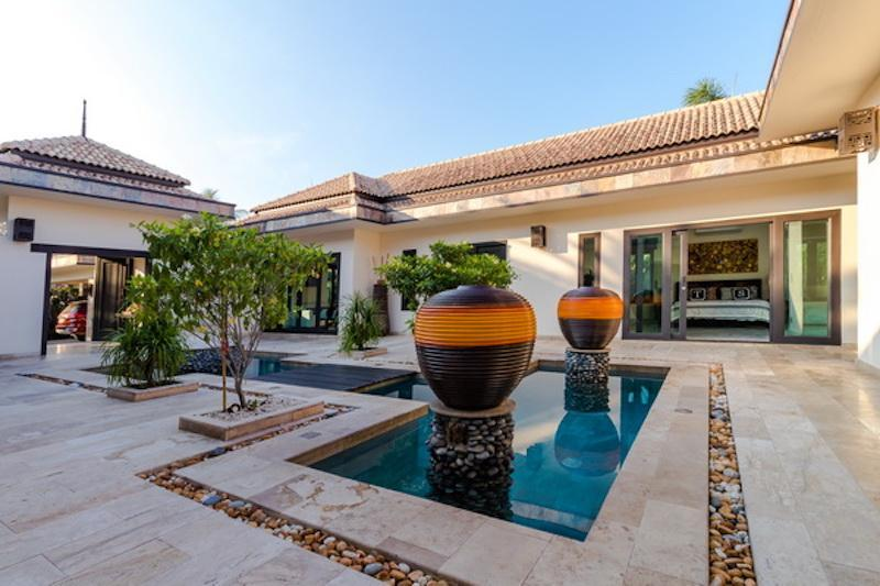 Villa for sale Khao Kalok - yard