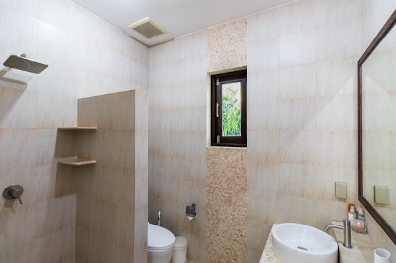 Villa for sale Khao Kalok - bathroom