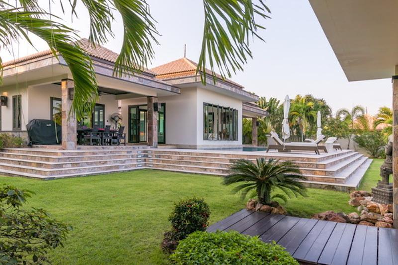 Villa for sale Khao Kalok - garden