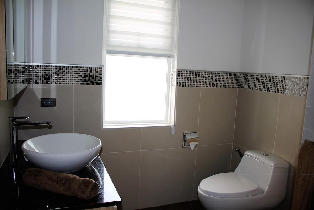 Luxury Mali Prestige pool villa for rent - guest bathroom
