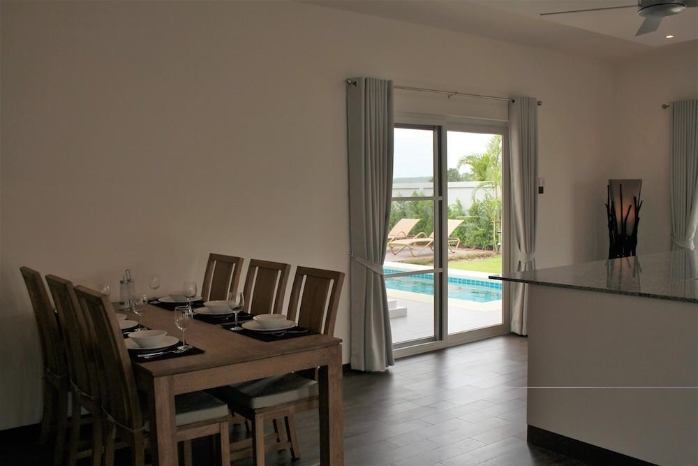 Luxury Mali Prestige pool villa for rent - dining table