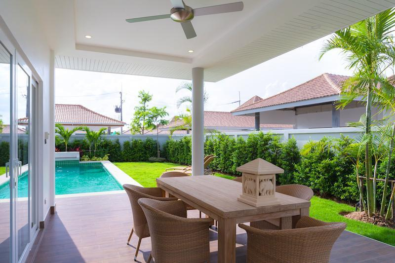 Luxury 3 bed pool villa for rent in Hua Hin - covered terrace