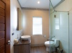 Luxury 3 bed pool villa for rent in Hua Hin - guest bath