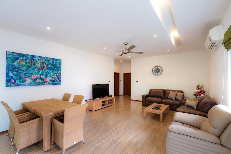 Luxury villa with pool for rent - living area