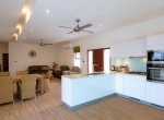 Luxury villa with pool for rent - kitchen