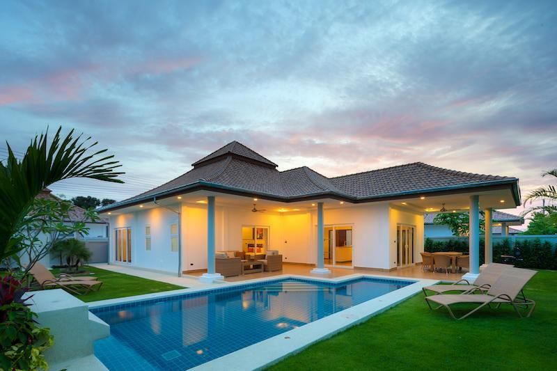 Luxury villa with pool for rent