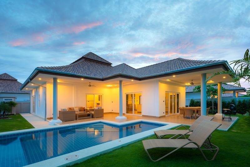 Luxury villa with pool for rent - house
